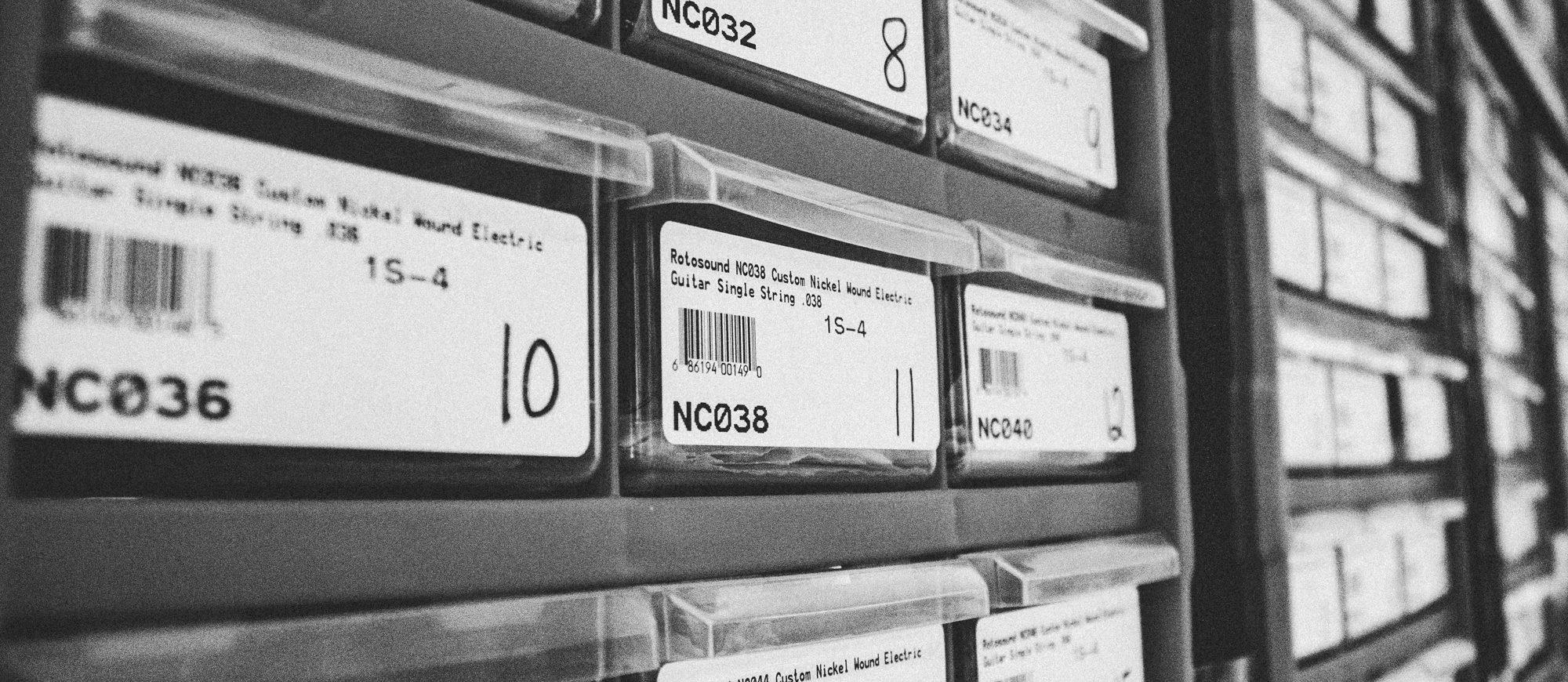 Warehouse racking containing custom gauge single strings