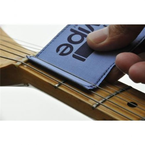 The Swipe - Guitar String Cleaner - Clean under your strings